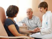 Bernward-Krankenhaus Ärzte mit Patient